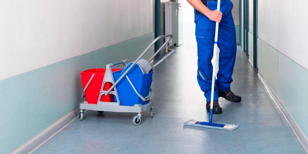 Serviços de limpeza de pavimentos